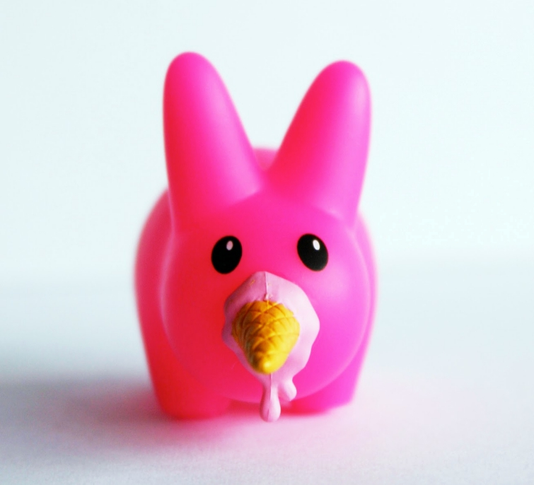 Art Toy Happy Labbit con Helado