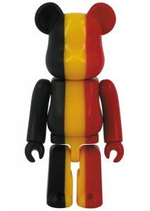 Bearbrick Art Toy con diseño dela Bandera de Bélgica