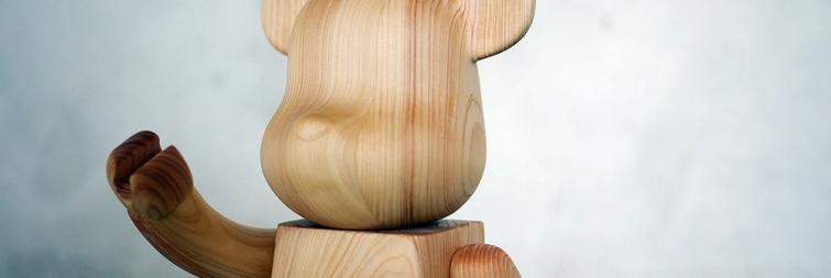 Bearbrick de madera de ciprés