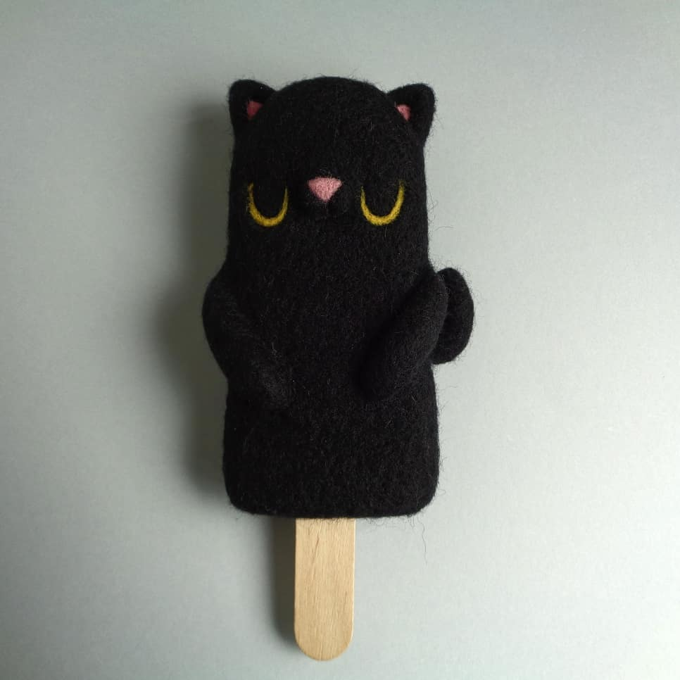 Droolwool - Popsicle Bear Black Cat-min