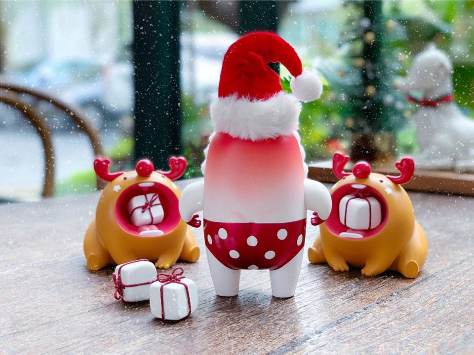Mallow Summer Santa y Mochi Reindeer de Mupa Toy Navidad