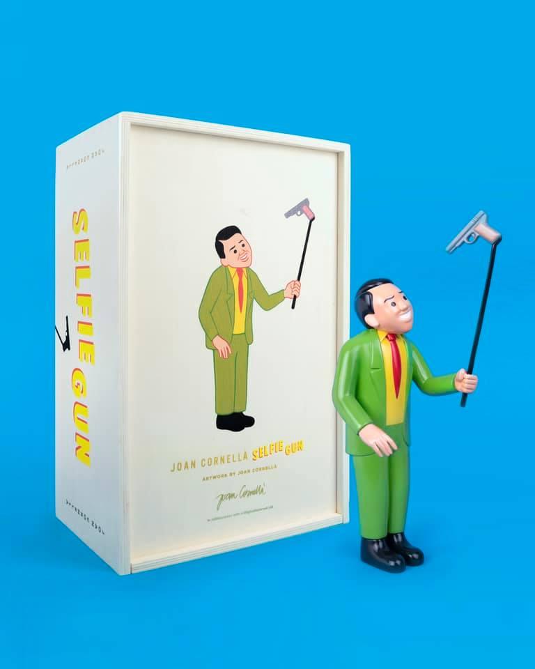 Selfie Gun Joan Cornella Art Toy Sculpture