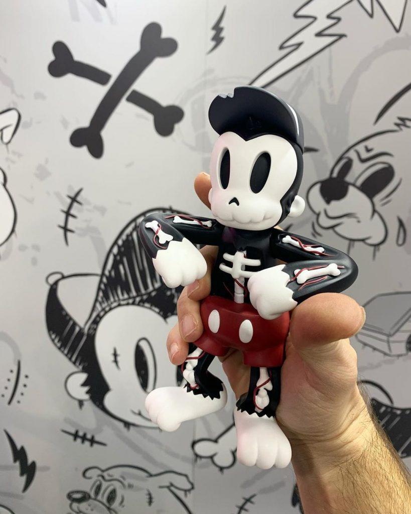 Cote Escriva Thunder Mates Creepy Monkey Art Toy Sculpture