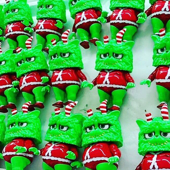 Christmas Green Meow de Omeow x Kaijuone